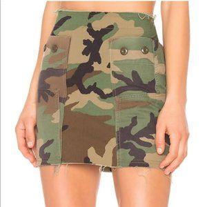 Kendall & Kylie Camo mini skirt